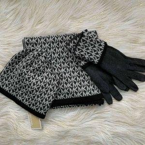 3PC. Michael Kors Hat Gloves Scarf Set